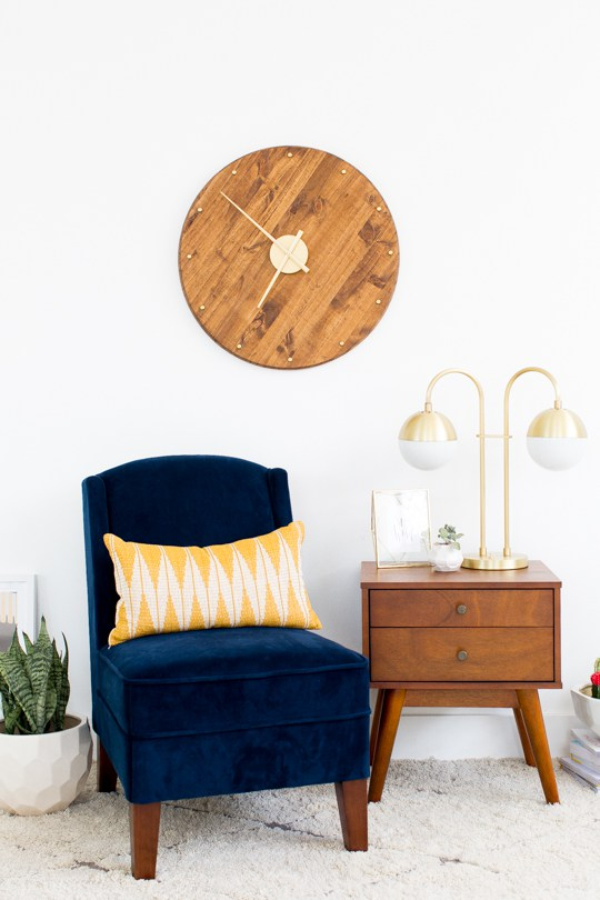 DIY Midcentury wall clock from wood