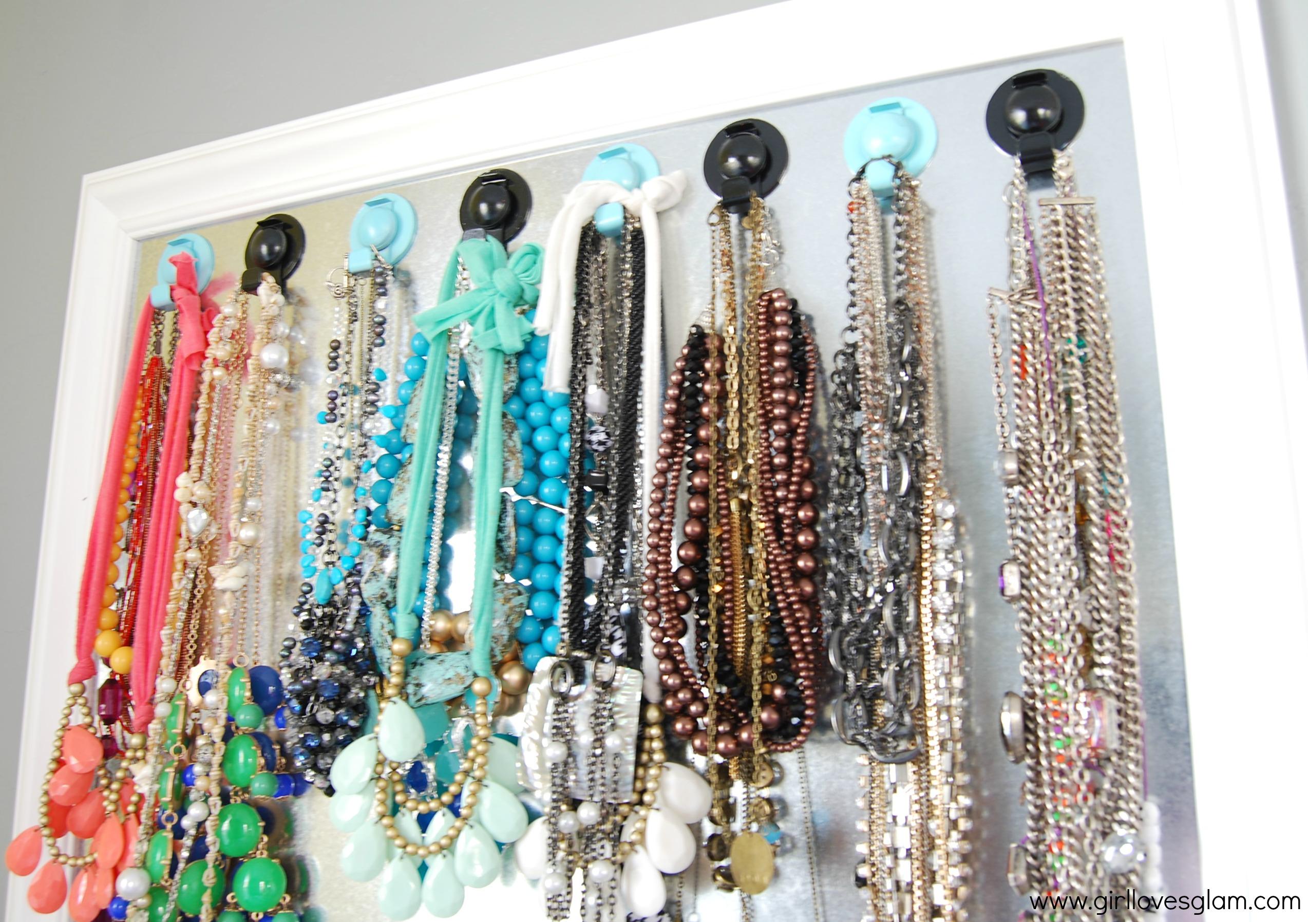 Necklace hanger organizer