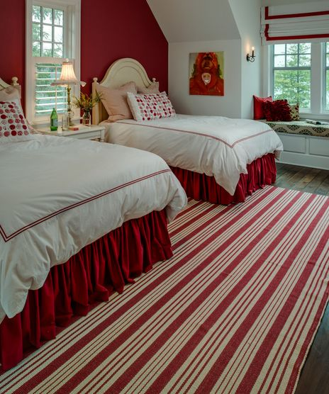 Ruffled bedding, area rugs and artwork can also offer a dramatic allure to a space