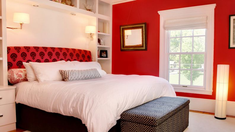 how to decorate a bedroom with red walls. Black Bedroom Furniture Sets. Home Design Ideas