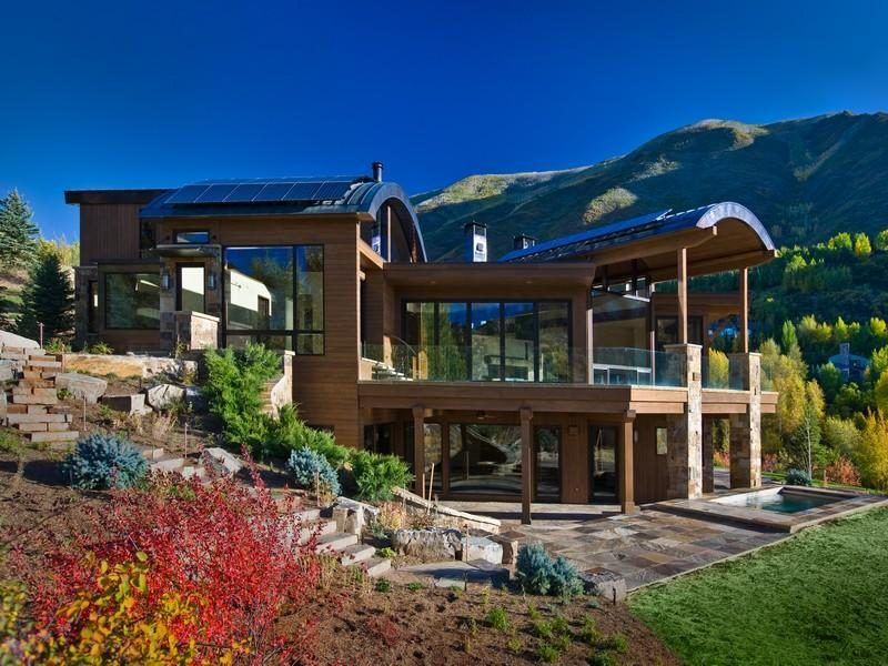 Single Family Residence On The Ridge of Red Mountain