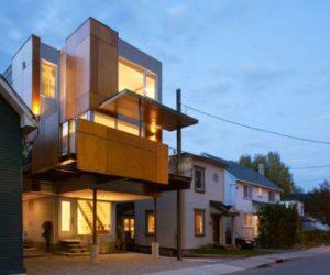 Unique Porch House Design in Vanderpool