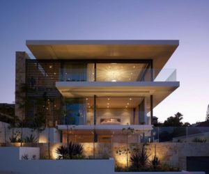 Luxurious house with harbour views by MPR Design Group