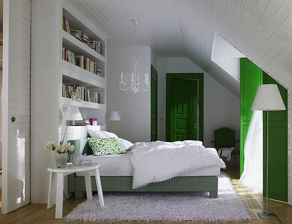 Turning the attic into a bedroom 50 ideas for a cozy look - Armoire pour chambre mansardee ...