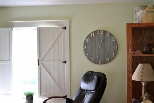 beautiful-diy-wall-clock-of-wood-scraps-2-500x333
