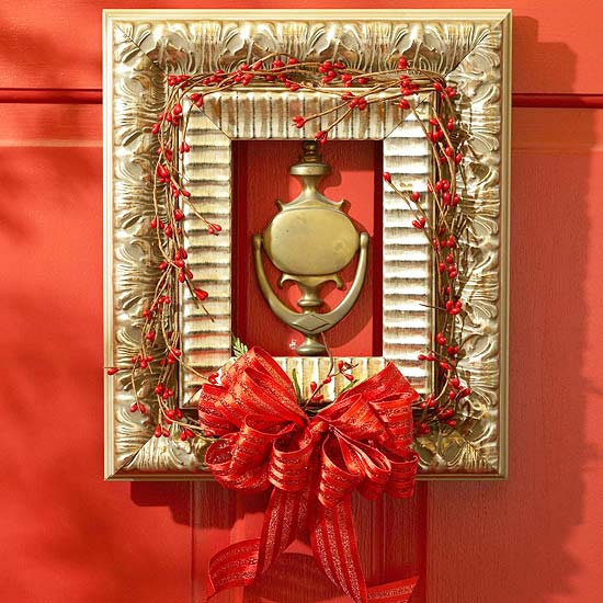 20 creative christmas front door decorations for Decor to your door