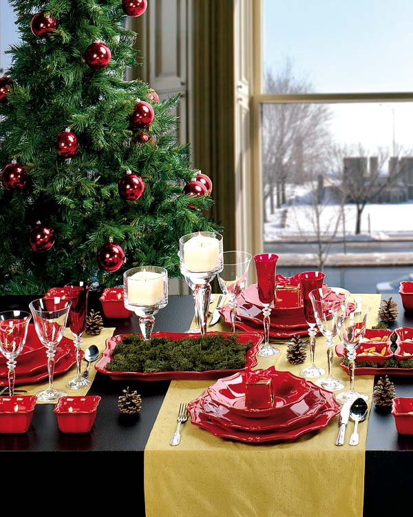 view in gallery - Green Christmas Table Decorations