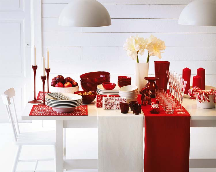 view in gallery - How To Decorate A Christmas Table
