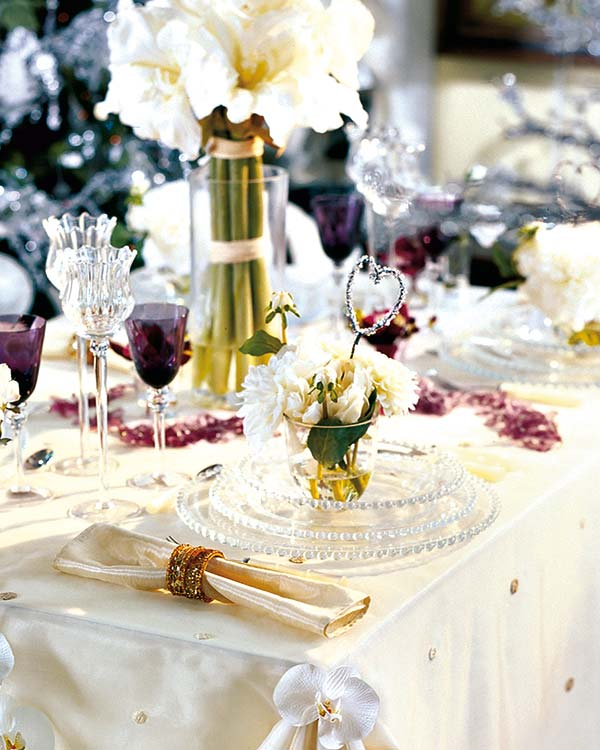 Fun Christmas Table Decorations: 50 Christmas Table Decorating Ideas For 2011