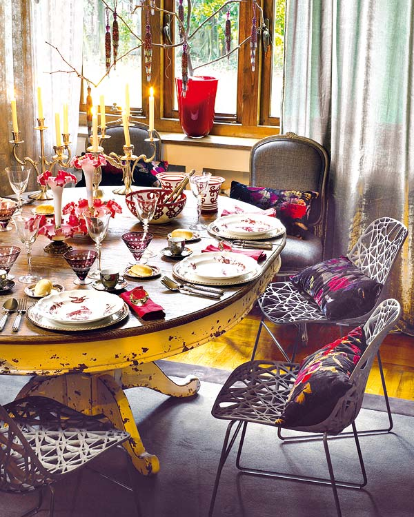view in gallery - How To Decorate Your Kitchen Table For Christmas