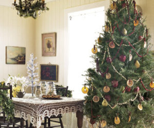 Where To Put The Christmas Tree 25 christmas living room design ideas