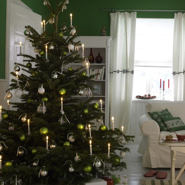 30 christmas tree decoration ideas for 2011 - Indoor Decorative Christmas Trees