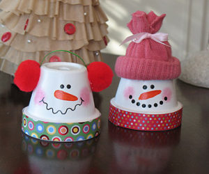 Nice DIY Snowmen from Terra Cotta Pots