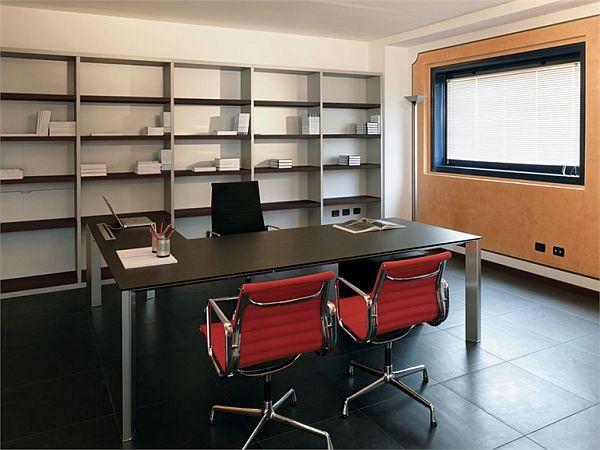 The flexible Giano desk by Egidio Panzera