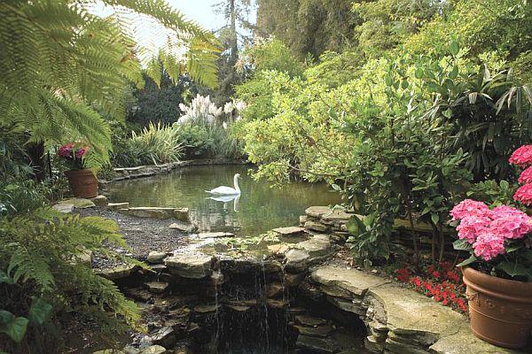 Hotel Bel Air in Los Angeles garden