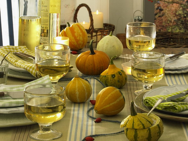 Amazing 35 Thanksgiving Day Table Decorations Photo