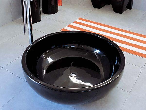 Fontana basin by Giulio Cappellini