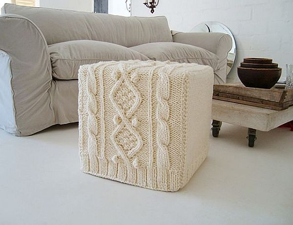 Knitted furniture covers crazy but fun - Tejidos para tapizar sofas ...