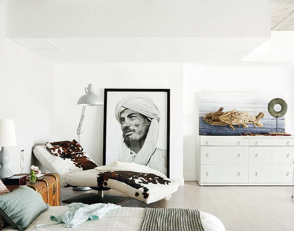 Artistic two-leveled loft in Madrid
