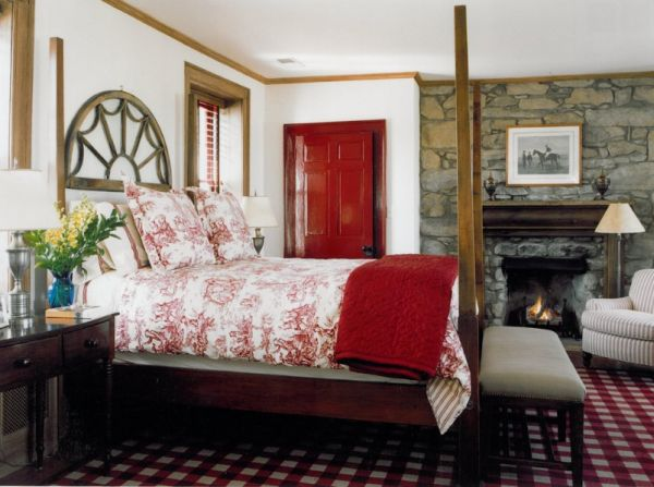 Bedroom Decorating Ideas Red Walls how to decorate a bedroom with red walls