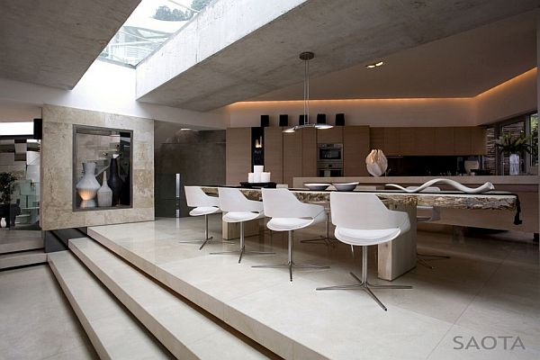 La grande vue 5a residence in cape town for Kitchen tables cape town