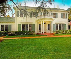 Elegant Los Angeles residence for sale