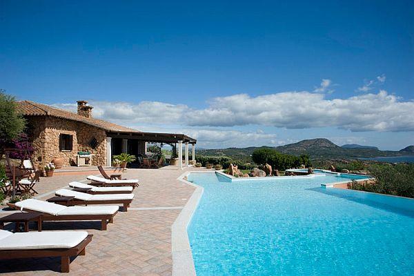 Villa Volpe In Sardinia Italy - Villa-in-sardinia-by-antonio-lupi