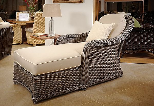 Bon Comfy Indoor Classic Wicker Chaise