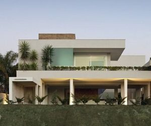 Sofisticated and Opponent Alphaville House in Brazil