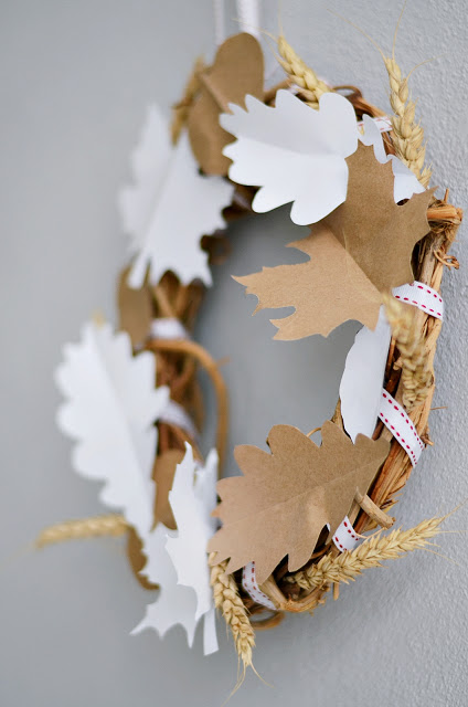 Fall wreath with paper
