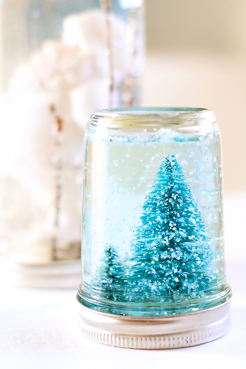 Mason Jar Snow Globe Tutorial
