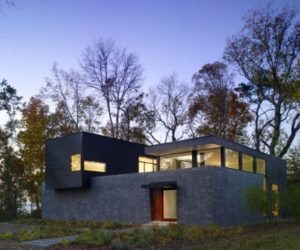 Modern House In Delaware by Robert M. Gurney