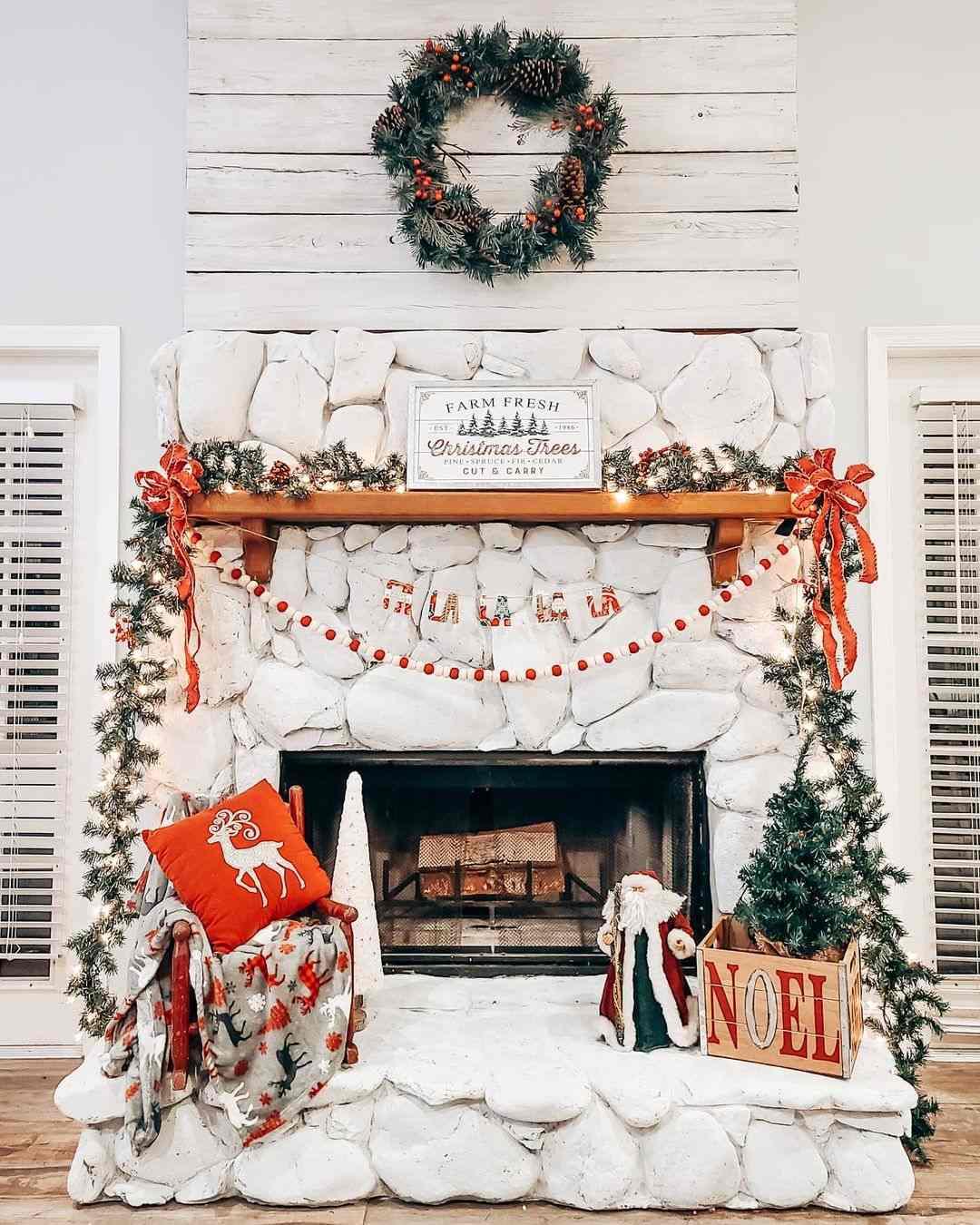 20 Christmas Fireplace Mantel Decoration Ideas