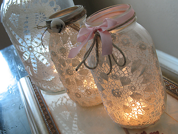 16 luminaries and lanterns to light up your autumn party beautiful diy burlap and doily luminaries solutioingenieria Image collections