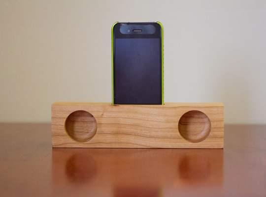5 Creative Wooden Alarm Clock Iphone Docks