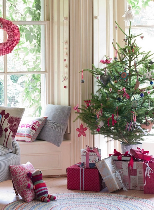 Christmas Trees For Small Apartments.Christmas Trees That Add Warmth To Our Homes This Year