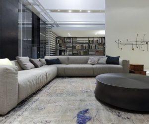 The elegant Bolton sectional sofa by Giuseppe Vigano