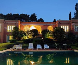 Seven-bedroom mansion in Punta del Este for sale