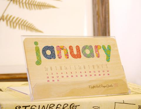 Wood Desk Calendar Great Ideas