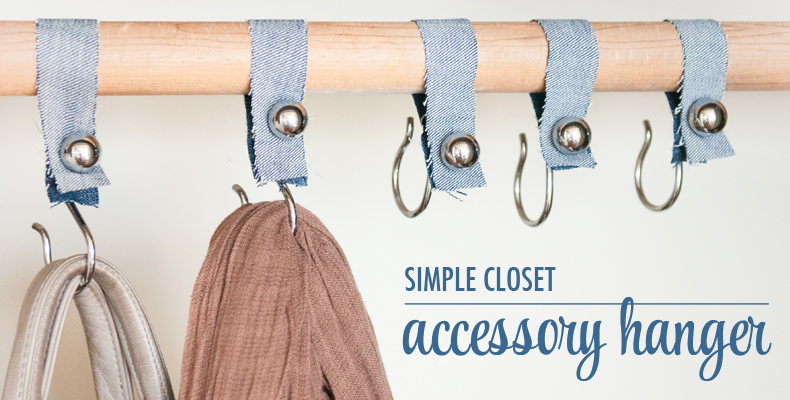 Simple closet hangers
