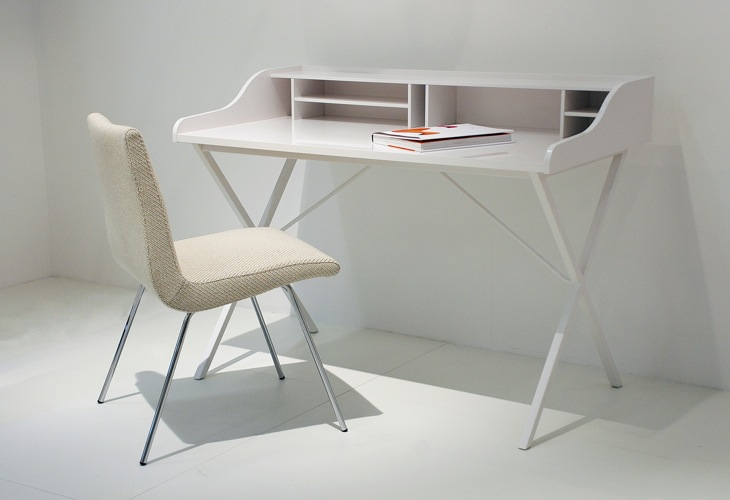 ursuline desk from ligne roset. Black Bedroom Furniture Sets. Home Design Ideas
