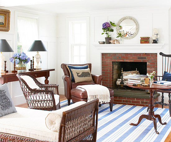 ... A White And Brown Living Room With Small Blue ...
