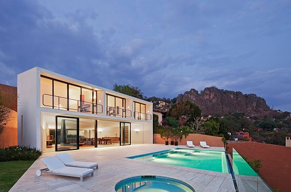 Beautiful And Modern Residence In Valle De Bravo In Mexico