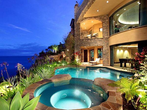 Luxurious Residence In Laguna Beach California