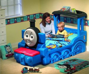The friendly Thomas & Friends train bed for kids