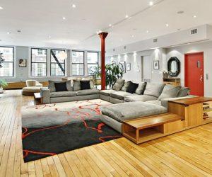 Spacious 8 room condominium in New York for sale