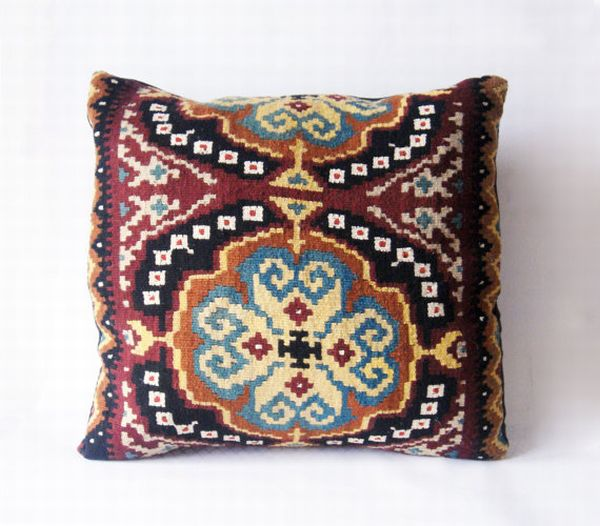 Traditional Pillow Easy Clean Medium : Traditional Romanian Pillow Covers