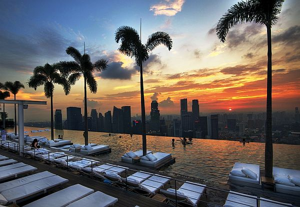 the best 18 rooftop pools from around the globe rh homedit com best rooftop pools barcelona best rooftop pools bangkok
