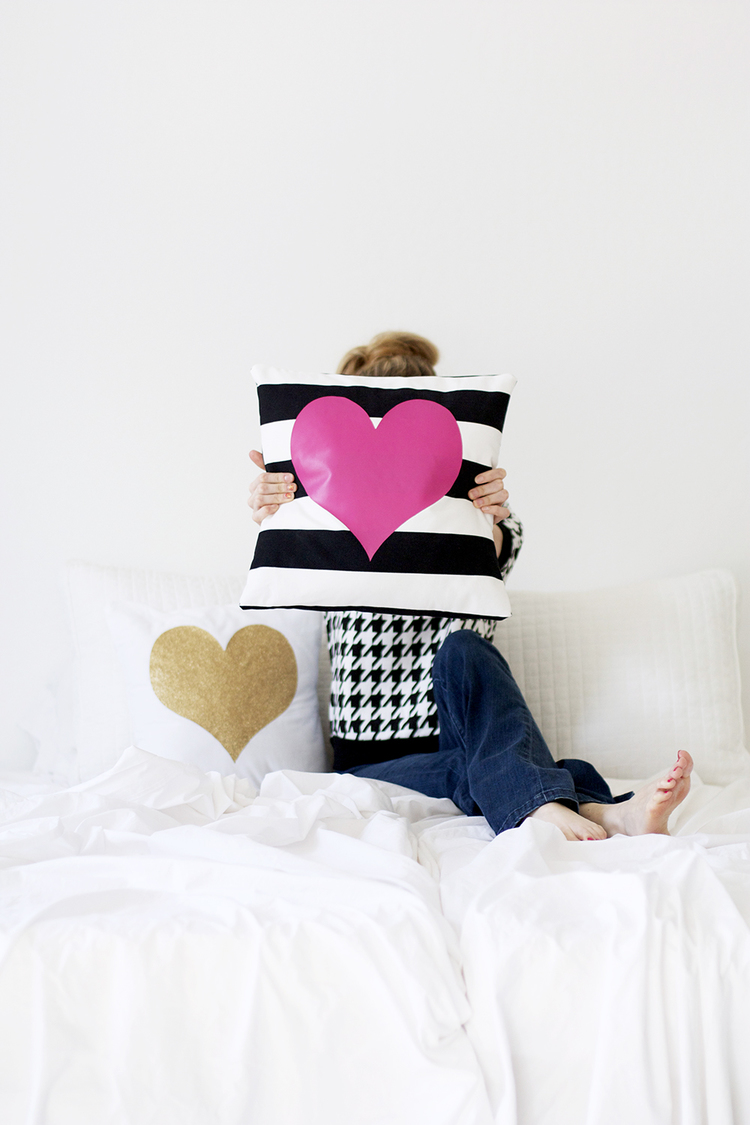 Very Cuddly DIY Accent Pillows Featuring Cute Heart Designs LN61