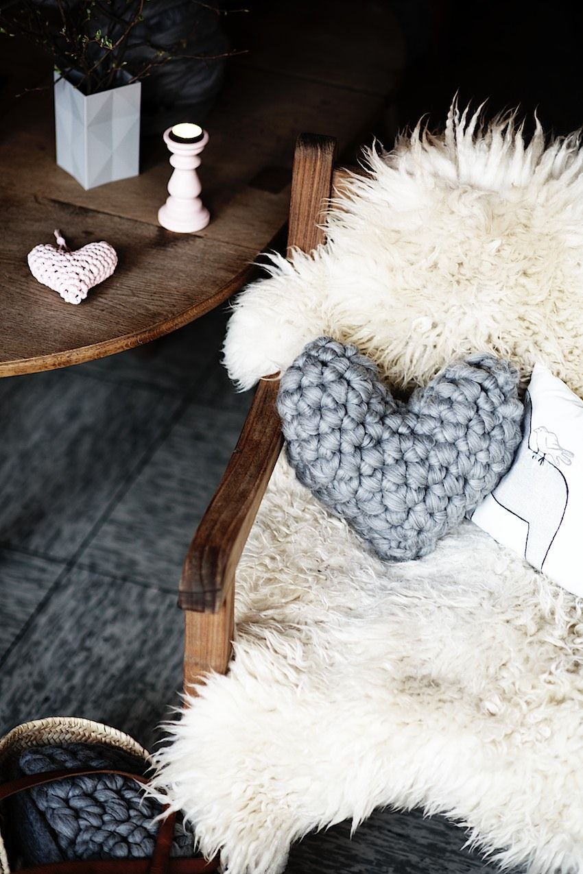Easy Chunky Crochet Heart Pillow